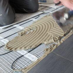SET komplet za podno grijanje - električna grijaća mreža za 8 m2 / 800 W + digitalni programabilan sobni termostat BVF 701 s podnim senzorom
